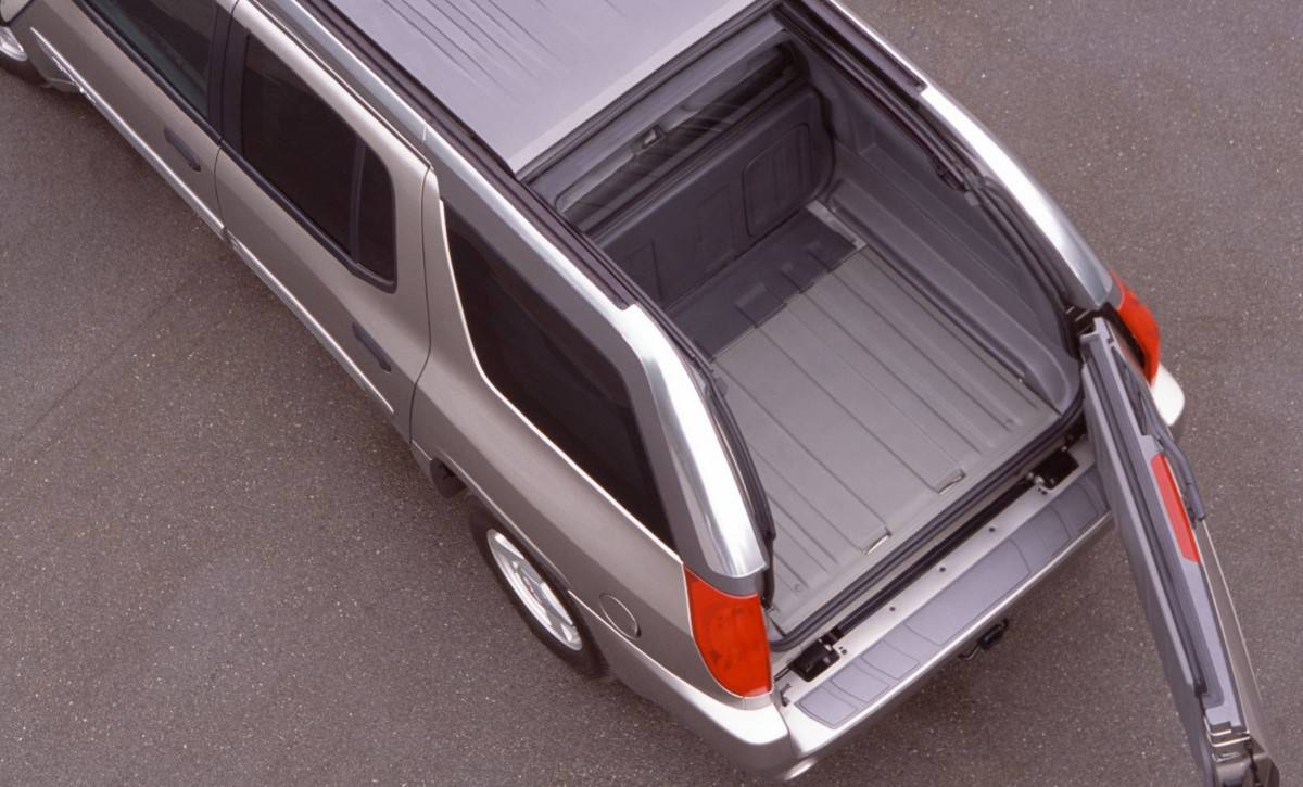 GMC Envoy XUV - Retractable Roof