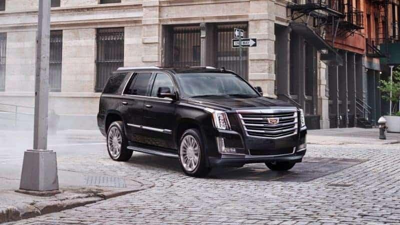 2019 Cadillac Escalade front 3/4 view
