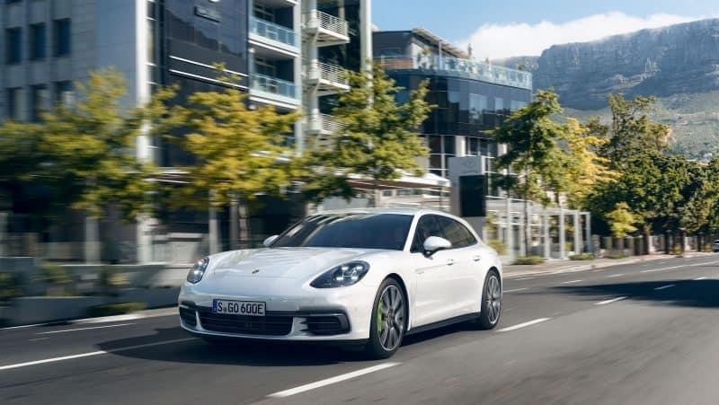 Porsche Panamera Sport Turismo front 3/4 view