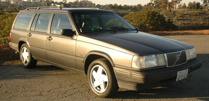 1994 Volvo 940 Turbo Wagon - right front view