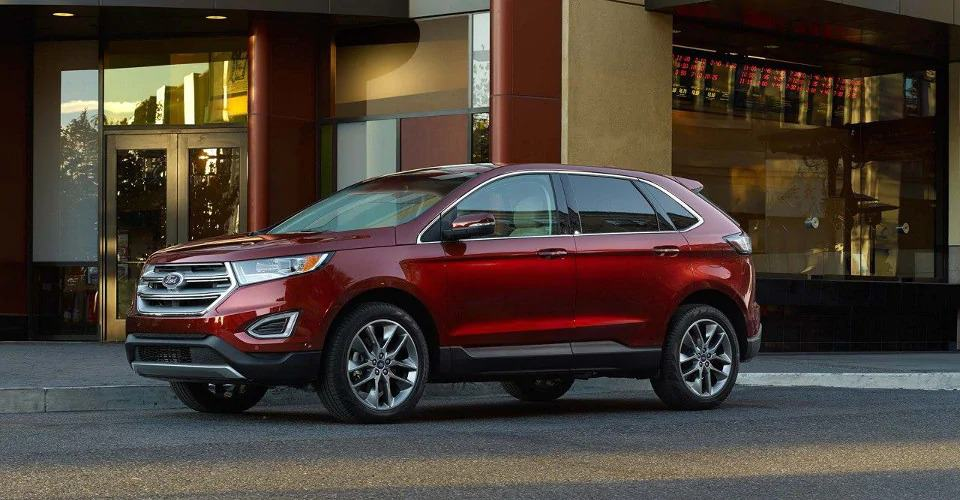 2018 Ford Edge SE - drivers side view