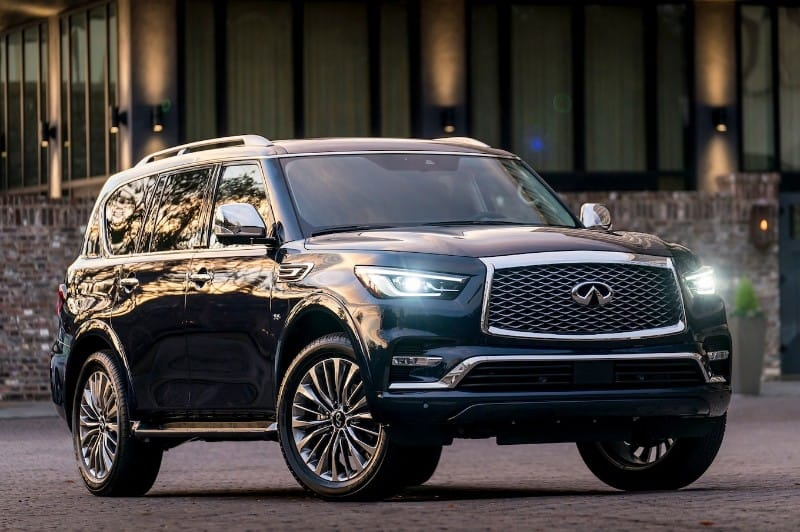 2018 Infiniti QX80 - right front view