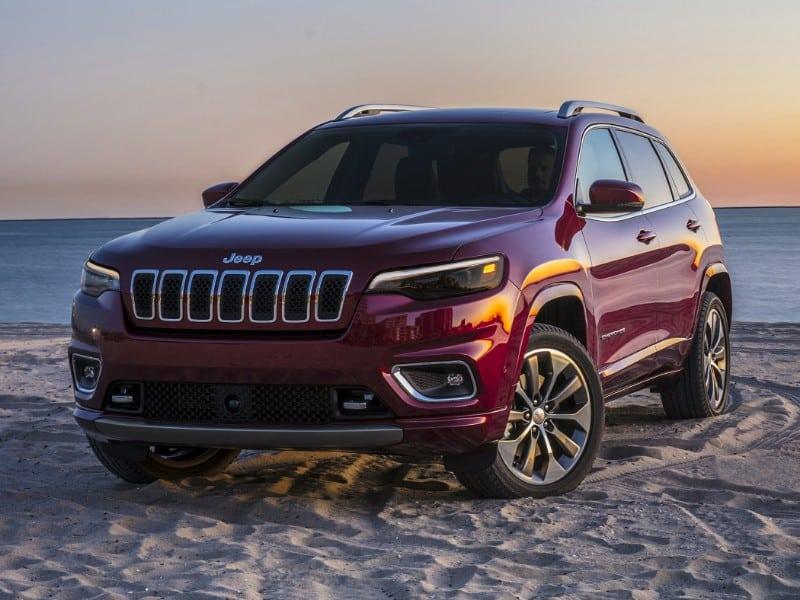 2019 Jeep Cherokee Latitude Plus - front view