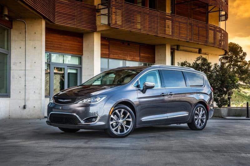 Best Minivan 2020.Minivans Are Still Holding Out In Spite Of The Suv Craze