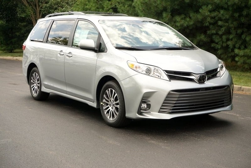 Toyota Sienna front 3/4 view