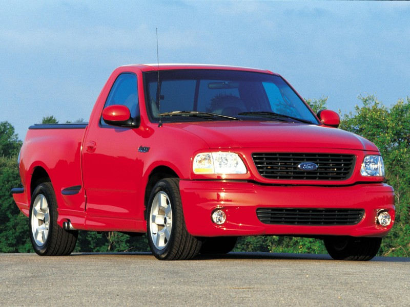 1999 Ford SVT F-150 Lightning - right front view