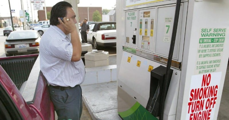 using your cell phone while fueling