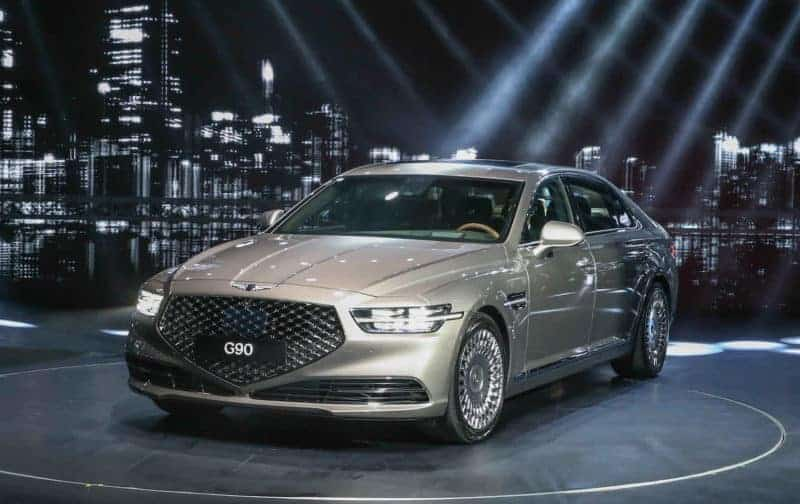 2020 Genesis G90 front 3/4 view