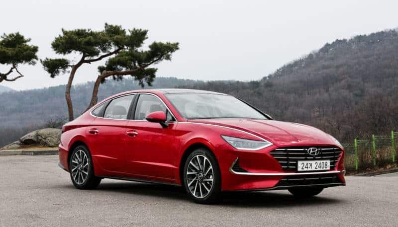 2020 Hyundai Sonata front 3/4 view