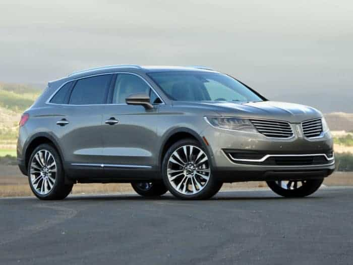 Lincoln MKT front 3/4 view