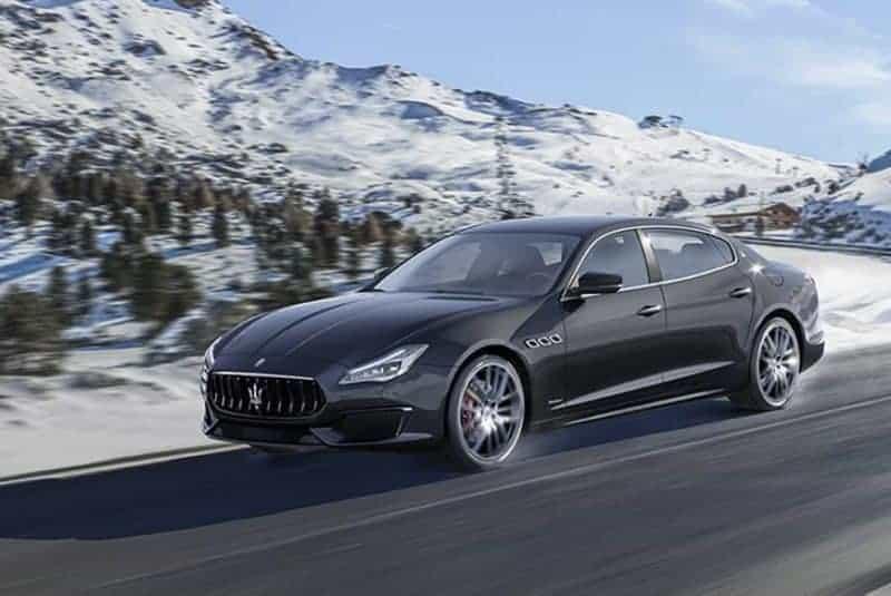 Maserati Quattroporte front 3/4 view