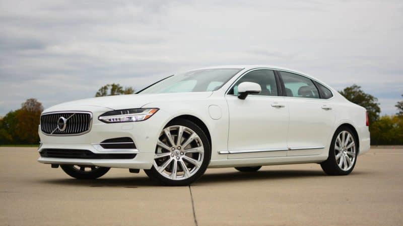 Volvo S90 front 3/4 view