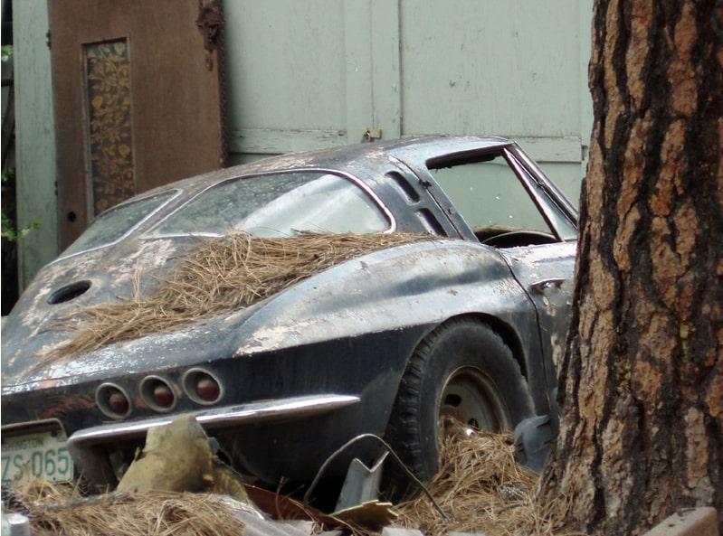 1963 split-window Corvette rear 3/4 view