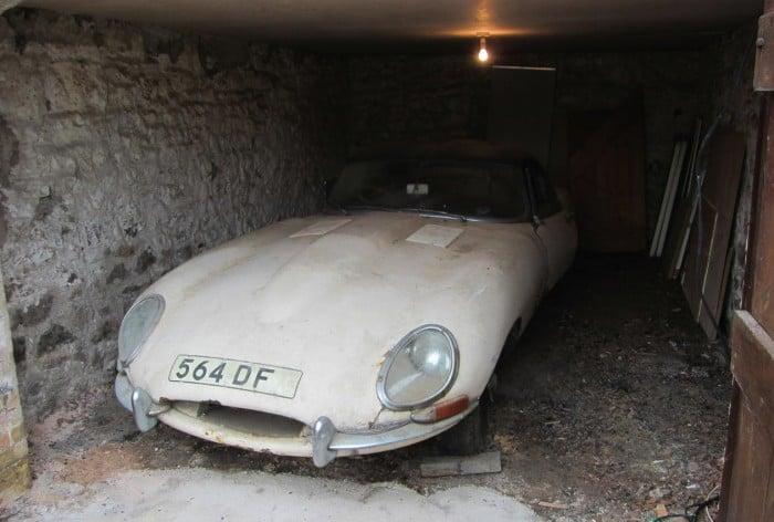 "1961 Jaguar E-Type ""flat floor"" barn find"