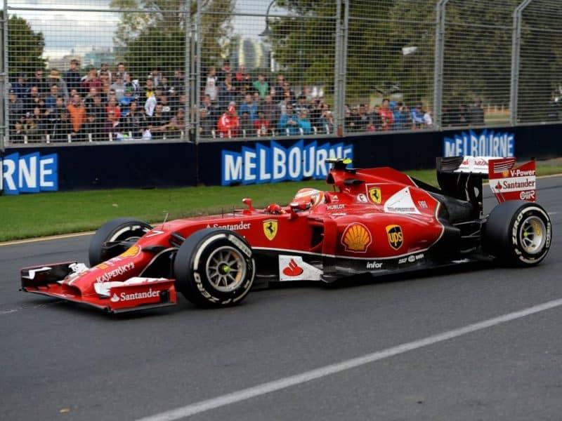 Ferrari F14 T front 3/4 view