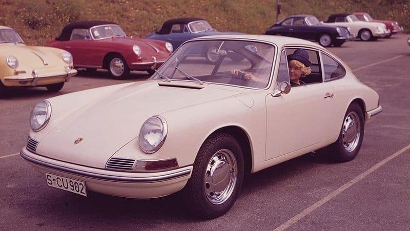 Porsche 901 concept front 3/4 view