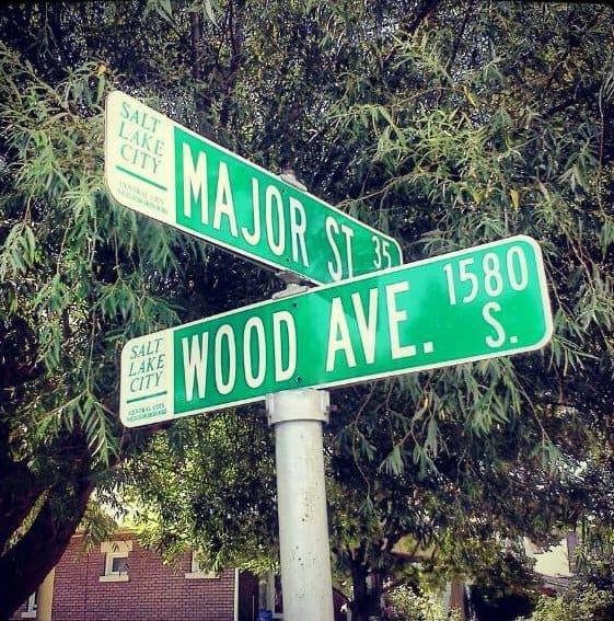 Street sign Major Wood