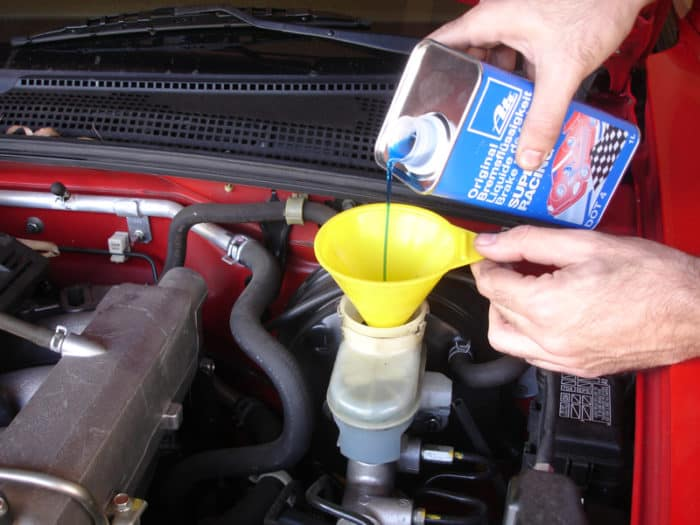 Which Brake Oil Is Right For Your Car?