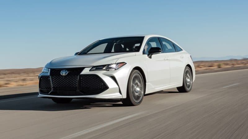 2019 Toyota Avalon In Motion
