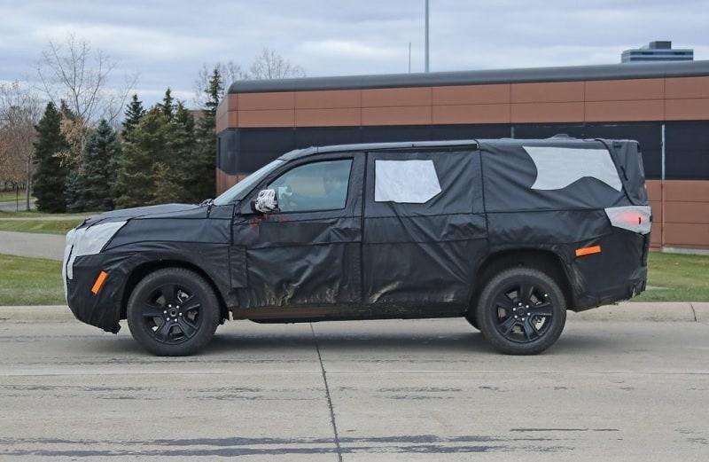 2021 Jeep Wagoneer Spy Shot