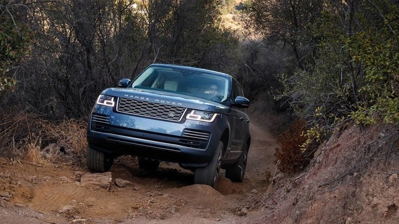 Range Rover plug-in hybrid off-road