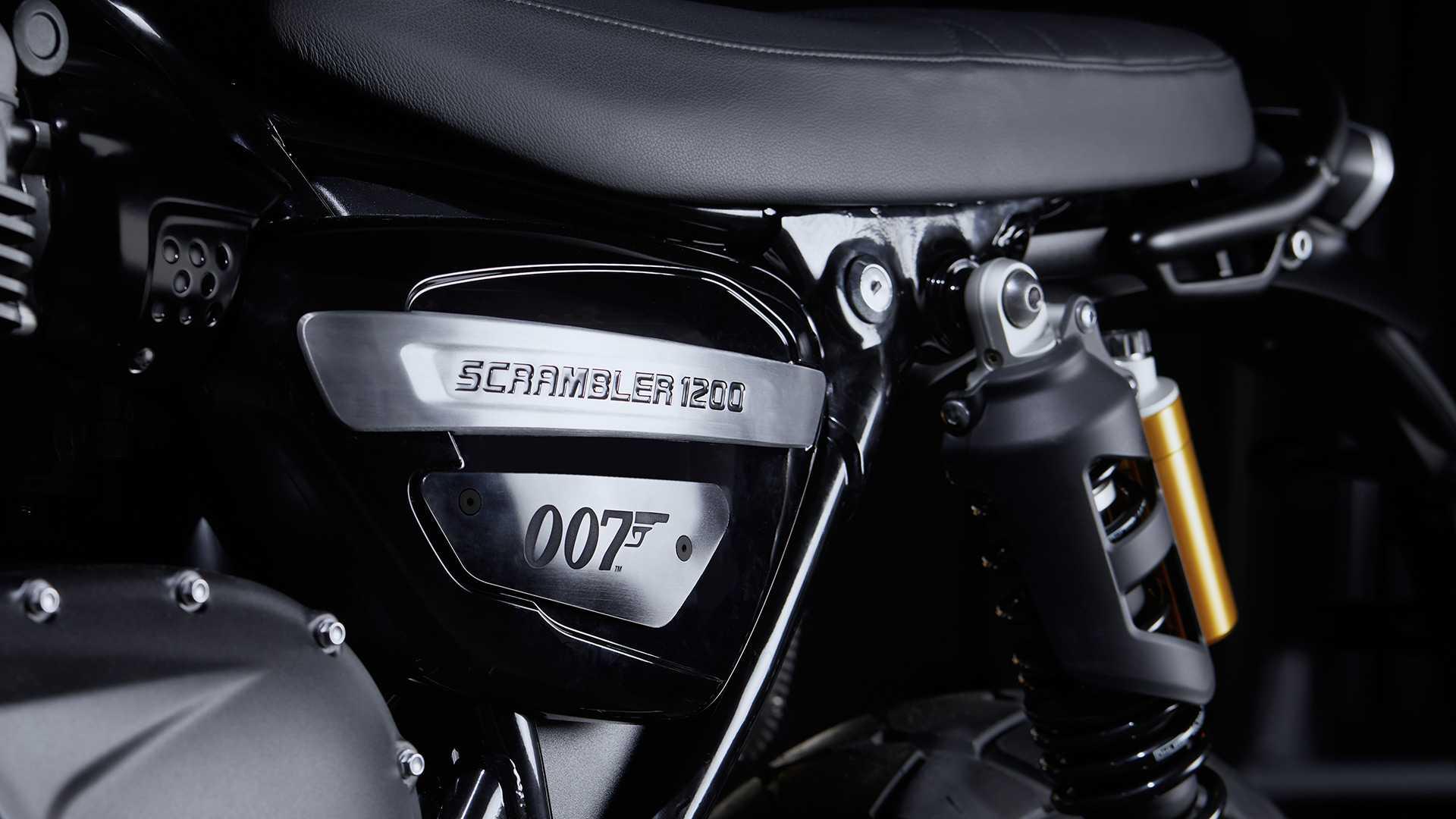 2020 Triumph Scrambler 1200 Bond Edition Side Panels
