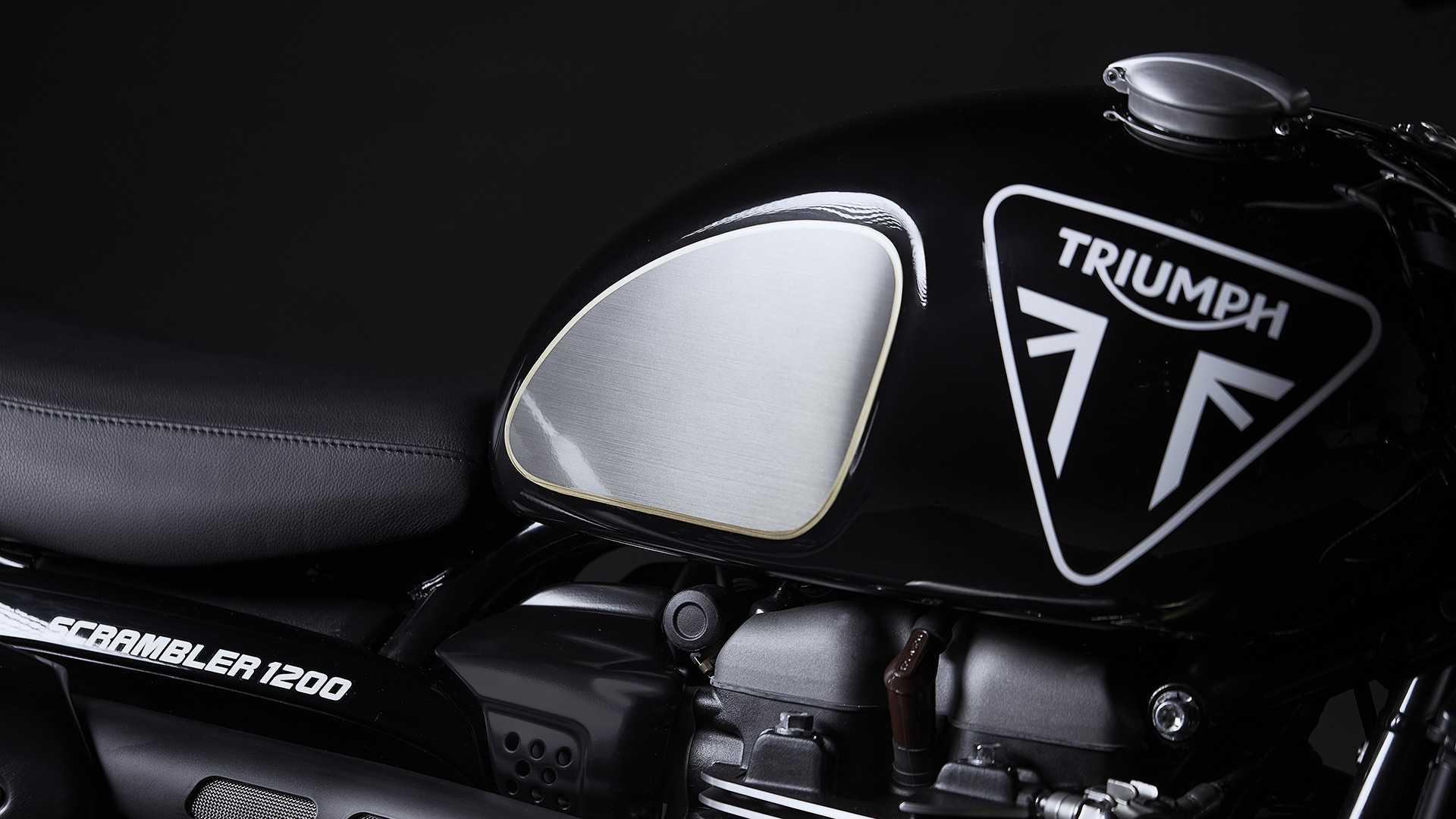 2020 Triumph Scrambler 1200 Bond Edition gas tank