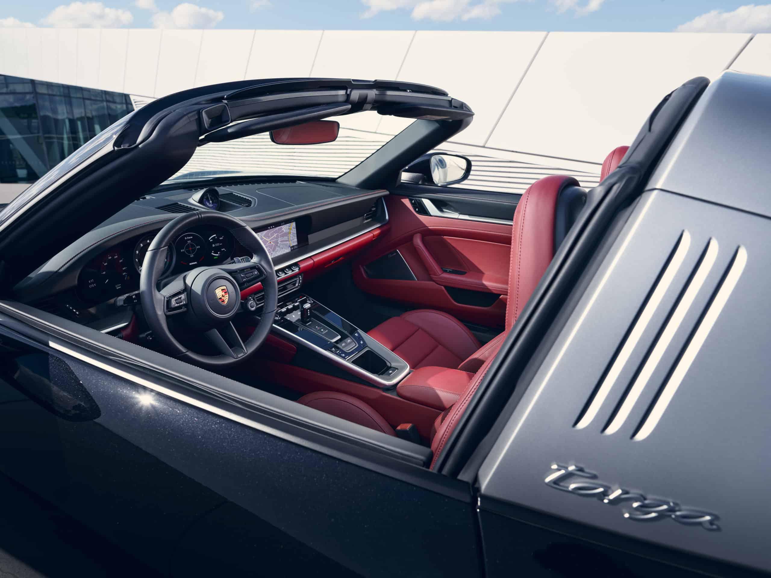 2021 Porsche 911 Targa 4S cockpit
