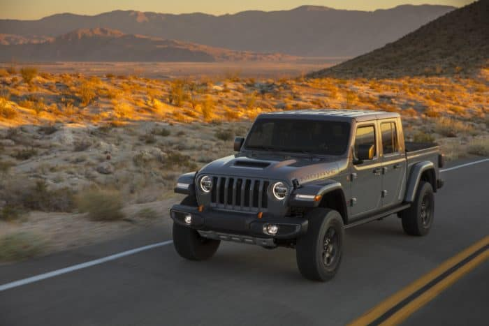 4wd manual Jeep Gladiator Mojave