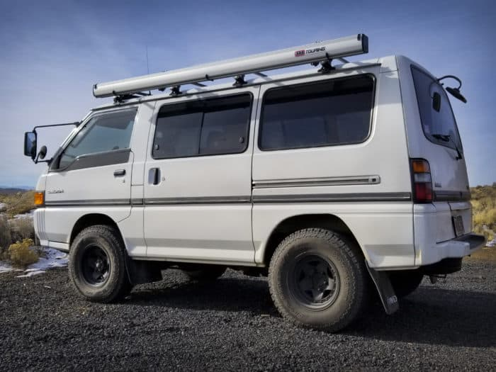 1989 Mitsubishi Delica Star Wagon side