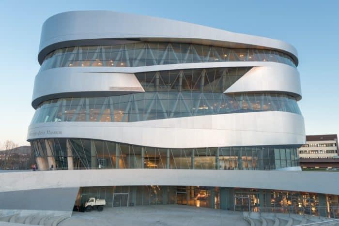 Mercedes-Benz virtual car museum