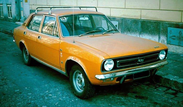 Morris Marina orange sedan