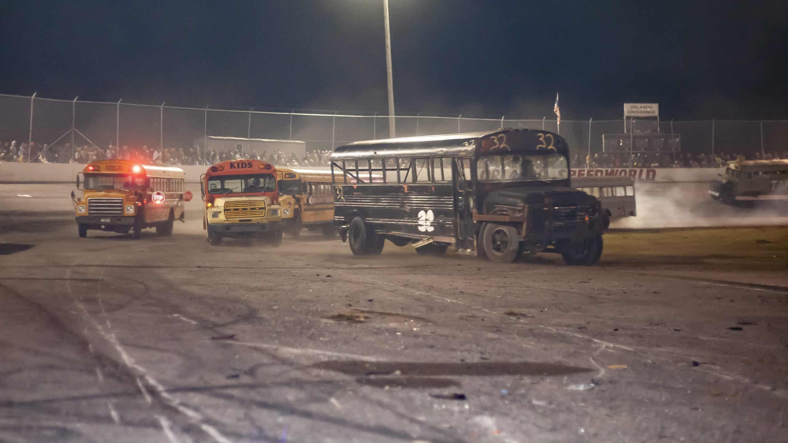 figure 8 school bus racing