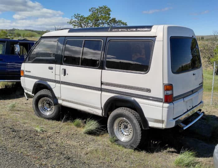Delica Star Wagon with Crystal Lite Roof