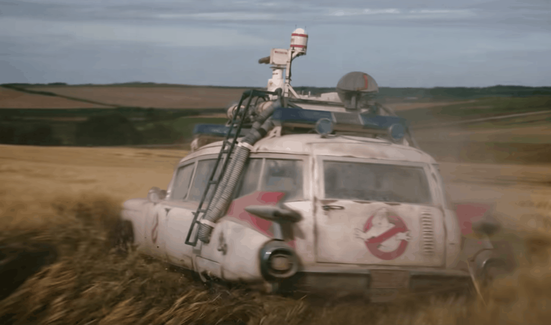 Ghostbusters Ecto1 Afterlife movie field drifting