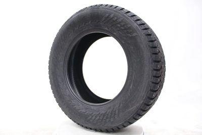Nokian Hakkapeliitta 9 SUV Studded Winter Tire