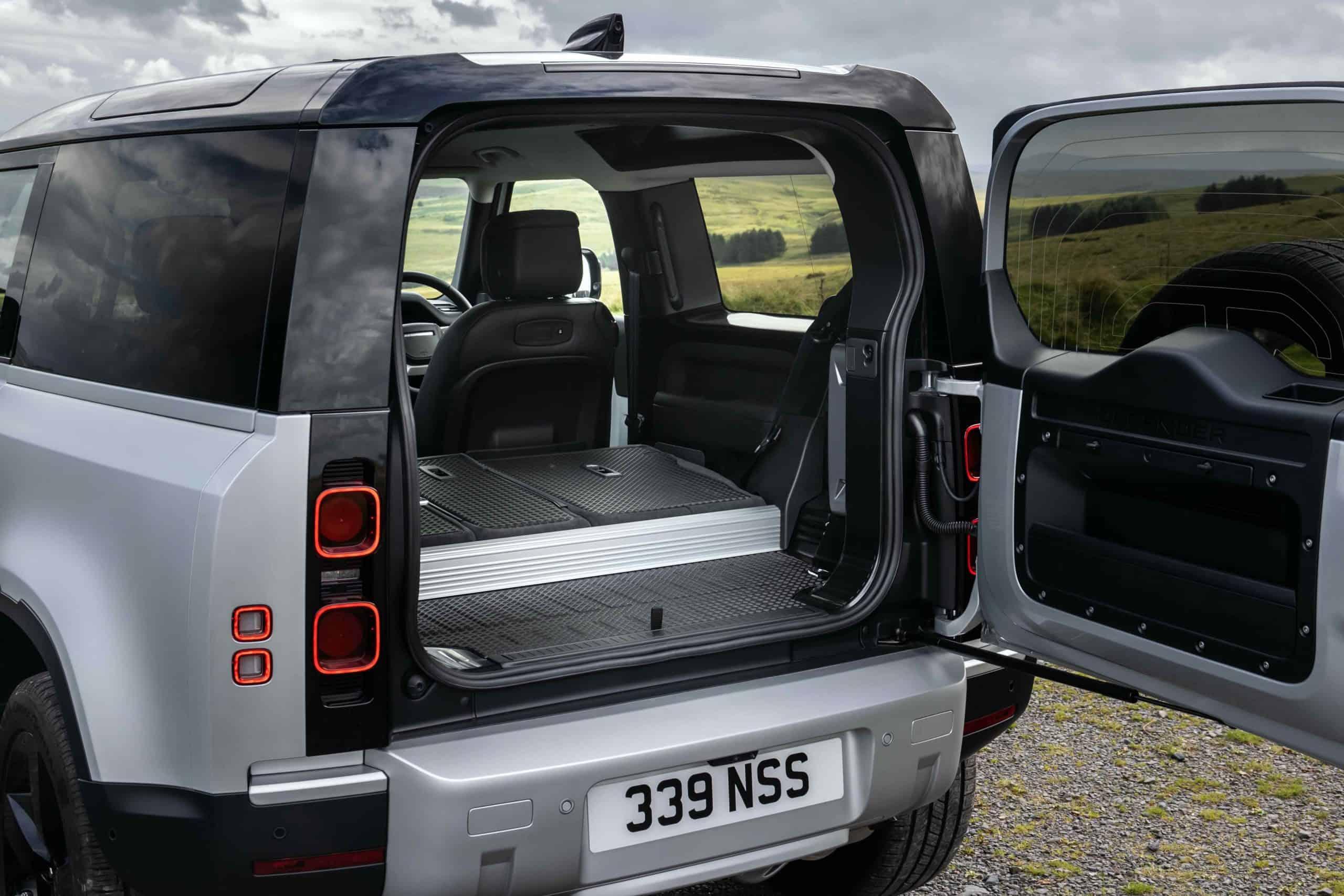 2021 Land Rover Defender 90 cargo room