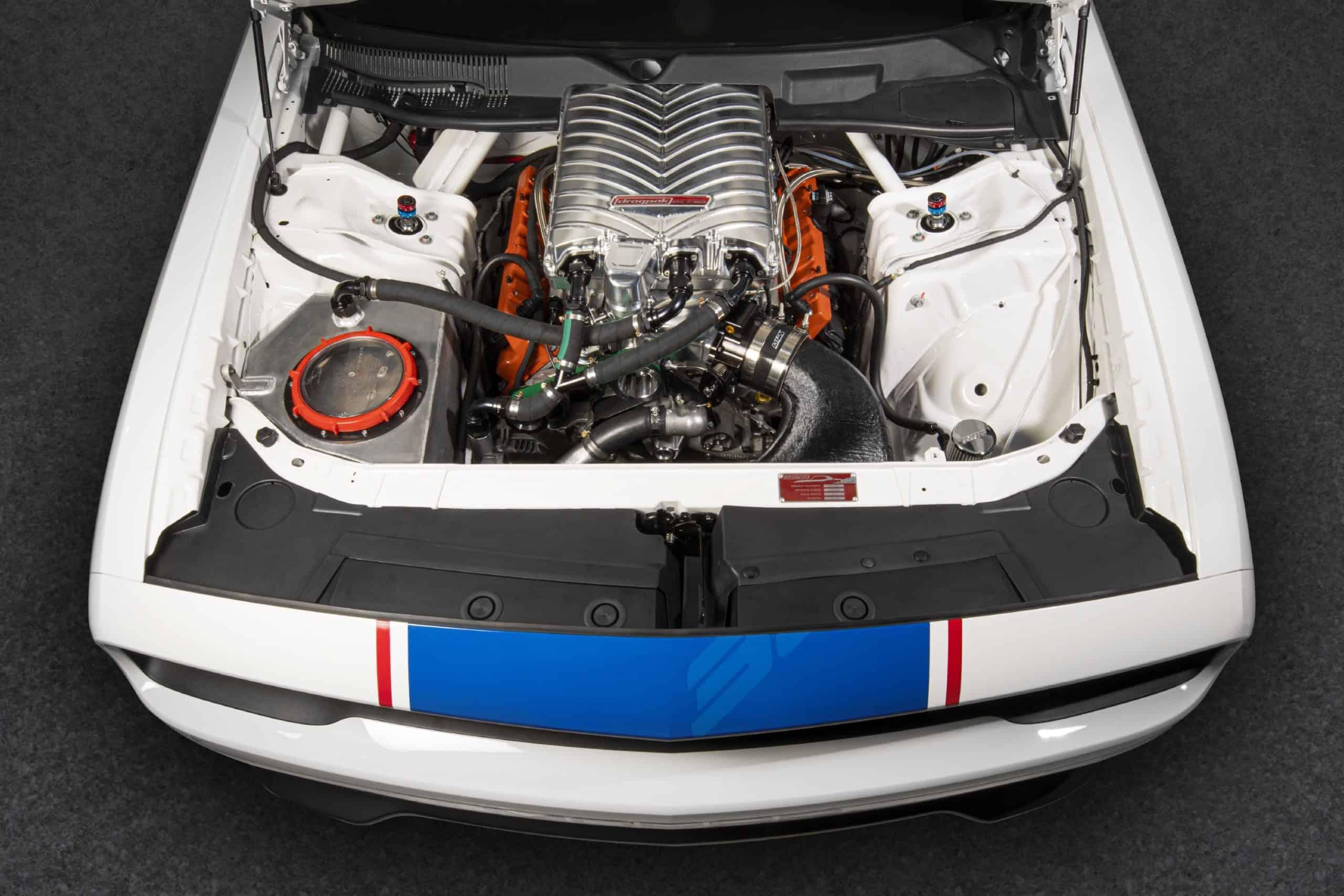 Dodge Challenger Mopar Drag Pak Hemi V8